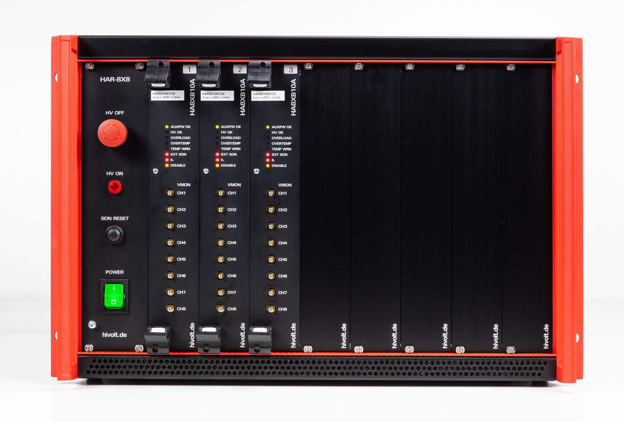 Amplificateur haute tension HAR-8x8A avec 64 voies et - 200 V à + 600 V HIVOLT.de