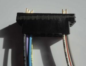couleur-bleu-noir-blanc-cablage-connecteur-NIM-AMP