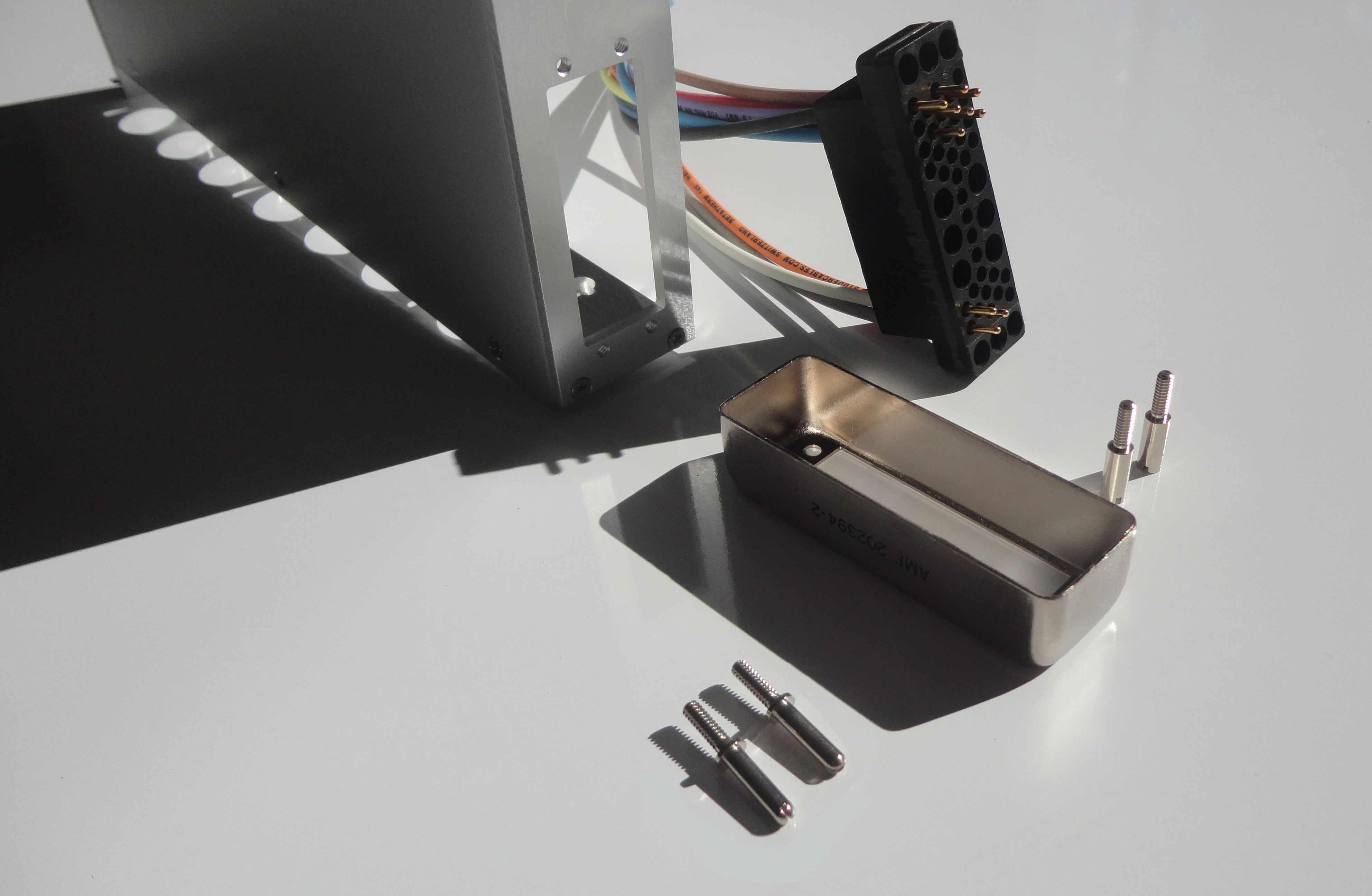 Set connecteur NIM AMP capot metallique vis cable couleur WIENER